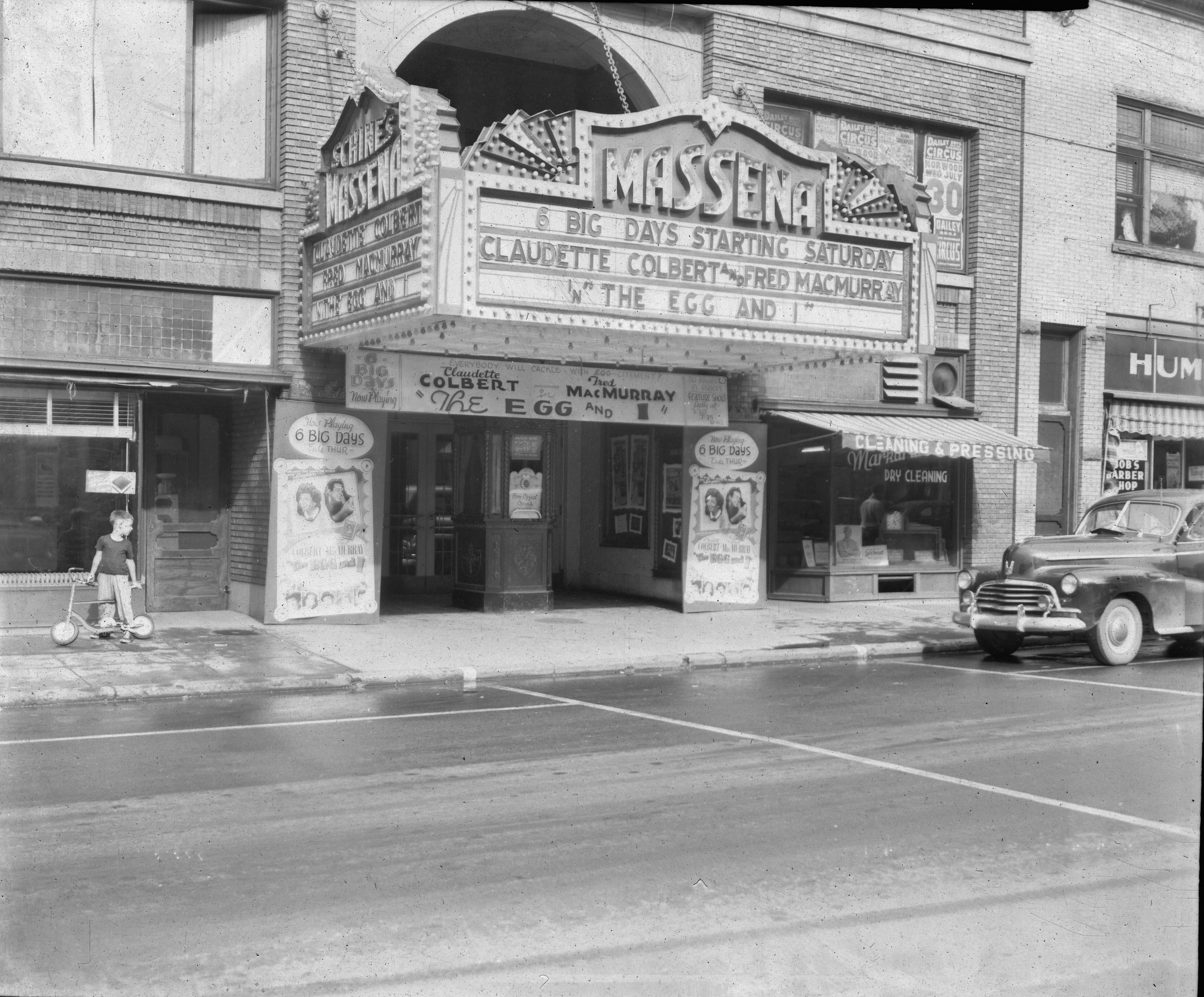 Theater-0002-6-2